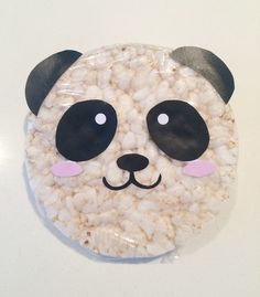 Panda rijstwafel - Lacy O. Kids Party Treats, Snacks Für Party, Panda Birthday, Birthday Treats, Diy For Kids, Crafts For Kids, Panda Party, Preschool Snacks, Kids Corner