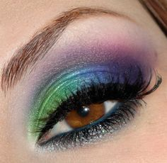 This is gorgeous! the colors of a peacock feather! LOVE the blue inner liner!