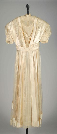 Dress Date: 1908 Culture: American Medium: Silk, linen Credit Line: Brooklyn Museum Costume Collection at The Metropolitan Museum of Art, Gift of the Brooklyn Museum, 2009; Gift of Marian Darville, 1965 Accession Number: 2009.300.7394
