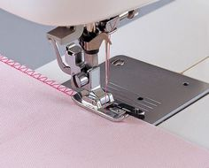 Sewing Machines For Beginners Overlock Overedge Overcasting Foot for Brother Singer Janome Juki Sewing Machine Things you should - Sewing Tools, Sewing Hacks, Sewing Tutorials, Sewing Crafts, Sewing Patterns, Tutorial Sewing, Pouch Tutorial, Sewing Ideas, Coin Couture