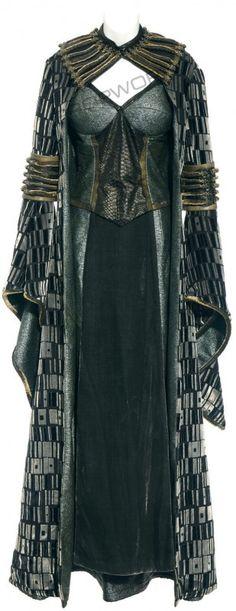 fantasy medieval clothing costume - dark magic - Keira