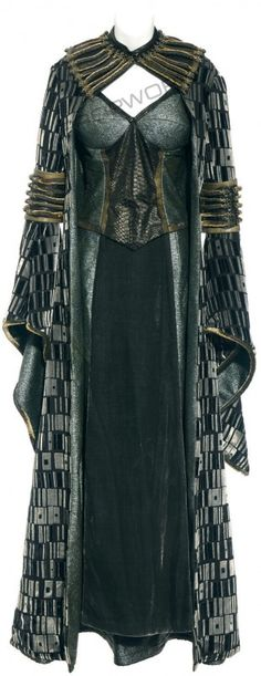 fantasy medieval clothing costume - dark magic - Keira