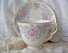 Vintage Teacup and Saucer Queen Anne Teapots And Cups, Teacups, Plate Design, My Cup Of Tea, Shabby Cottage, Sweet Tea, Tea Sets, Treasure Chest