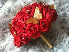 I Love The Gold Red Roses And Jeweled Accents