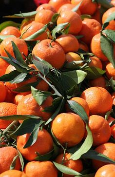 i've never had a problem just eating my clementines straight, but here are a bunch of recipes and such that start this delicious citrus Dried Orange Slices, Dried Oranges, Oranges And Lemons, Orange Sanguine, Orange Twist, Fruit Photography, Rainbow Food, Orange Aesthetic, Orange You Glad