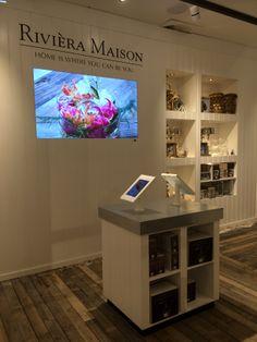 In de Gifts- & Home Accessoires Store van Rivièra Maison zijn meubels te bestellen via tablets > http://retailnews.nl/rubrieken/hpoGRMy3QdG1Sjazx3Z72A-0/rivira-maison-opent-winkel-volgens-nieuw-concept.html