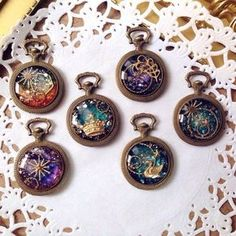 Resin Jewelry, Jewelry Crafts, Jewelry Art, Handmade Jewelry, Uv Resin, Resin Art, Diy Resin Crafts, Resin Tutorial, Magical Jewelry