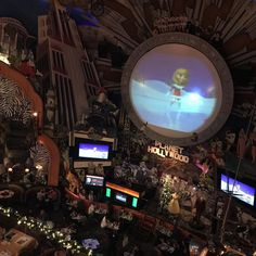 """<b><a href=""""planethollywoodintl.com"""">Planet Hollywood</a></b> <br>1506 Buena Vista Drive 