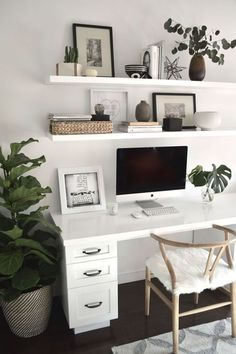 Cozy Home Office, Home Office Space, Home Office Desks, Office Decor, Office Ideas, Small Office Desk, Office Inspo, Office Spaces, Work Spaces