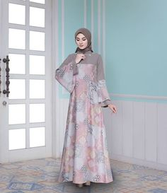 Batik Fashion, Abaya Fashion, Fashion Dresses, Fashion Muslimah, Muslim Women Fashion, Islamic Fashion, Moslem Fashion, Hijab Dress Party, Dress Brokat
