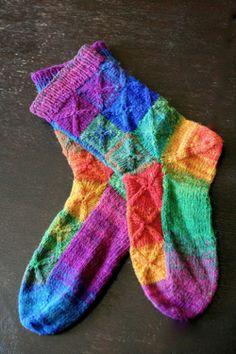 rainbow socks sèrie, We love colours Crochet Socks, Knitting Socks, Hand Knitting, Knitting Patterns, Knit Crochet, Knit Socks, Crazy Socks, My Socks, Cool Socks