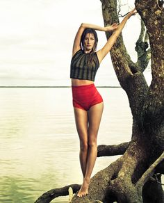 Amazon Woman – Topping off her four covers, Gisele Bundchen teams up with Jacques Dequeker for the July issue of Vogue Brazil. Taking to the picturesque Amazon Rainforest, Gisele shows off her lithe shape in the form-fitting selects of fashion editor Daniela Paudice.
