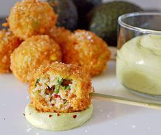 Lobster Beignets with avocado mousse Seafood Recipes, Appetizer Recipes, Appetizers, Cooking Recipes, Healthy Recipes, Tapas, Fingers Food, Confort Food, Good Food