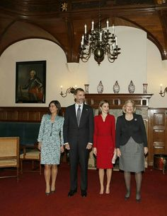 Wednesday, October 15, 2014  Introductory visit to the Netherlands  King Felipe and Queen Letizia went to the Netherlands to introduce themselves as the new rulers of the Spain .  In the afternoon there also was a meeting with the Dutch minister Mark Rutte and some of the Dutch Parlement at het Binnenhof in The Hague  #KingFelipeVI #QueenLetizia #KingWillemAlexander #QueenMaxima #PalaceNoordeinde #TheHague #Binnenhof #MarkRutte #DutchParlement