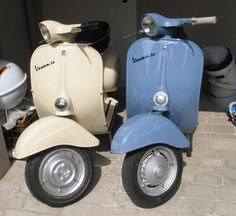 Mix and Match ;-)....Vespa's always look great together. #vespav50 #classicvespa #vespa