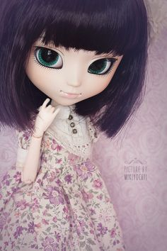 … and my Kanoko (Pullip Ddalgi).Her green eyes are really beautiful, aren't they? She is one of my favorite Pullip because of her natural Face up. She can wear almost everything :3