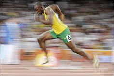Usain Bolt is known for his incredible talent as being the world's fastest man. Being an athletic runner requires lots of running, training, hard work and dedication. Usain Bolt Diet, Usain Bolt Pose, Usain Bolt Running, Running Drills, Running Training, Hiit, Cardio, Olympic Games, Speed Racer