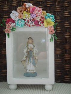Blog de artxzen :Mônica Franco   *   Arte e Artesanato  *  ArtxZen    *   Salvador - Bahia - Brasil, Oratório  Flores de Fuxico - vidro