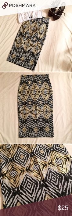 NWT BOOHOO 💋 AZTEC PRINT MIDI SKIRT STAND OUT💃🏾 | This GORG midi can be worn at the office and even on a night out | Lots of Stretch | Never Worn, brand new | Fits True to Size | Twin strap bodysuit {SOLD} available in closet Boohoo Skirts Midi