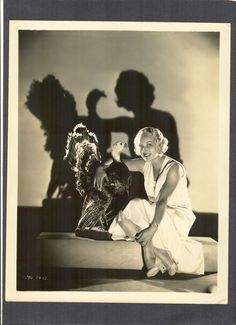LEILA HYAMS WITH THANKSGIVING TURKEY - STAR OF BROWNING 'S FREAKS - HORROR