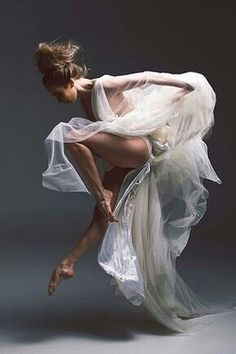 Gorgeous Ballet Dancer Exquisite form and grace. Gorgeous Ballet Dancer Exquisite form and grace. Shall We ダンス, Ballet Russe, Alvin Ailey, Dance Movement, Ballet Photography, Human Body Photography, Photography Ideas, Fabric Photography, Fashion Photography