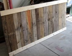 How to make a bed frame out of pallet wood? Yes please!