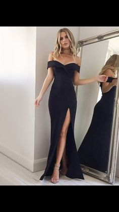 The dress is featuring off the shoulder, solid color, slit and maxi length. The dress is elegant and fashion. The dress is suitable for party, prom. Formal Dresses Online, Grad Dresses Long, Military Ball Dresses, Long Formal Gowns, Long Prom Gowns, Black Prom Dresses, Formal Dresses For Women, Elegant Dresses, Dress Black