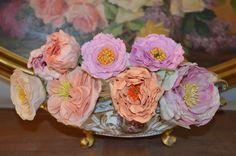 bouquet de pivoines réalisées artisanalement en porcelaine froide et peintes à la main  https://www.facebook.com/Weddings-Bouquets-Manuela-Hourcastagnou-452798688118522/