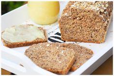 Sucht Ihr mal ein Brot mit einem hohen Vollkornanteil? Dann kann ich Euch dieses Fitness-Vollkorn-Joghurt Brot ganz arg ans Herz legen.
