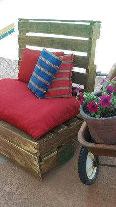 Recycled Pallet Patio Bench by buckeyerestoration on Etsy, $140.00