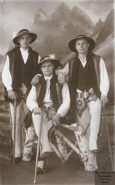 Polish People, Polish Folk Art, My Heritage, Vintage Pictures, Family Portraits, Culture, Costumes, Homeland, Folklore