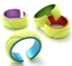 pulsera hecha con pelotas de tenis recicladas.19bis.com