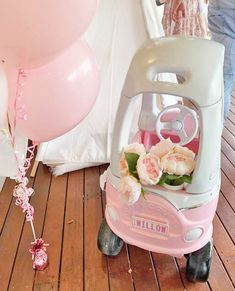 Want to try your own Cozy Coupe makeover? We look at how a clever mum and dad turned a bargain secondhand buy into a little girl's dream first birthday present. Backyard For Kids, Diy For Kids, Crafts For Kids, Little Tykes Car, Little Tikes Makeover, Cozy Coupe Makeover, First Birthday Presents, Maila, Up House