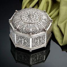 A Very Rare Indo-Portuguese Silver Octagonal Box (Portugal)