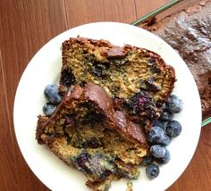 Blueberries are calling your name spring is finally here. Whip up this Paleo Pumpkin Blueberry Bread and enjoy the sun! Almond Recipes, Paleo Recipes, Low Carb Recipes, Paleo Sweets, Paleo Dessert, Healthy Desserts, Healthy Foods, Blueberry Bread Recipe, Paleo Bread