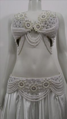 Arabic Belly Dance Costumes, Dance Art, Bustiers, Excercise, Costume Design, Burlesque, India, Street Style, Floral