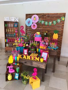 Luau Theme Party, Hawaiian Party Decorations, Birthday Decorations, Birthday Party Themes, Hawaiian Birthday, Flamingo Birthday, Luau Birthday, Kids Luau Parties, Flamenco Party