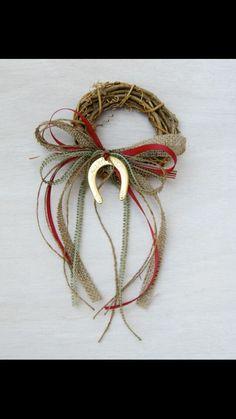 Petalo Christmas Tag, Christmas Wreaths, Christmas Decorations, Christmas Ornaments, Holiday Decor, Dyi Crafts, Xmas Crafts, Diy Weihnachten, Lucky Charm