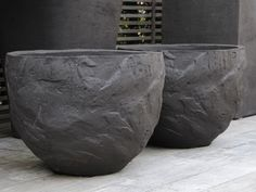 Planters handmade clay by Atelier Vierkant. These planters are just beautiful. Calm. Simple. Impressive. Elegant.