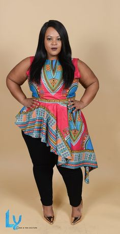 Light and easy to wear, the dashiki asymetrical top is a great addition to your closet. It can be worn to work, parties, or going out to dinner. You decide! Its stunning multicolor African print is perfect for the warmer months ahead, together with a pa African Attire, African Wear, African Fashion Dresses, African Style, African Outfits, African Women, African Tops, Fashion Kids, Look Fashion