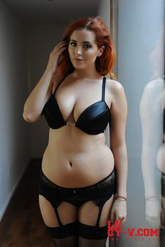 Lucy Collett Hottest Pics