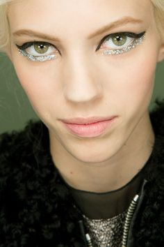 Devon Windsor backstage at Chanel Couture Spring 2014 #makeup