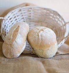 Cooking Bread, Bread Baking, Thermomix Bread, Bread Cake, Bread Pizza, Piece Of Bread, Breakfast Snacks, Bread Rolls, High Tea