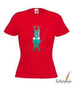 Camiseta pintada a mano  con dibujos únicos y exclusivos creados especialmente para ti.
