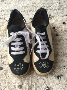 on sale f9651 405c5 Vintage CHANEL CC Logos White   Black Fabric Canvas Sneakers Trainers  Tennis shoes eu 36 us 5.5 - 6