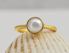 Freshwater pearl 18K Vermeil Gold or Sterling Silver ring - round stacking bezel set ring, June Birthstone, Bridesmaid gift, Wedding jewelry...