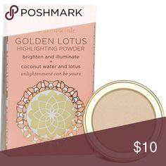Pacifica golden Lotus Highlighting Powder .07oz Pacifica golden Lotus Highlighting Powder .07oz Vegan Cruelty-Free New in box Pacifica Makeup Luminizer