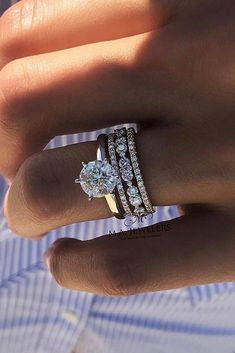 Damn! I would be absolutely fine with my rings being CZ if they looked like that lol