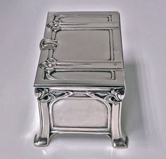 View this item and discover similar for sale at - Austrian silver casket box, Vienna, circa The box of strong jugendstil nouveau secessionist design on four turned bracket stylized bracket supports, Silver Enamel, Antique Silver, Casket, Decorative Objects, Art Decor, Art Nouveau, Arts And Crafts, Antiques, Crates