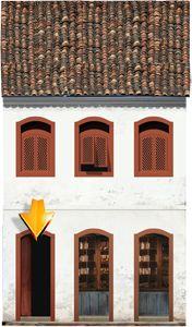 Fachadas | Casa do Rio Sobrado - Início do século XIX Uso misto (residencial e comercial) / Térreo com duas portas para a loja e outra de acesso à residência acima / Telhado de duas águas / Janelas com rótulas